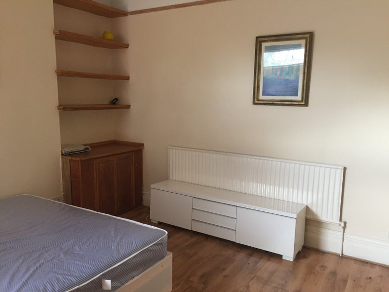 Room To Rent In Streatham Common