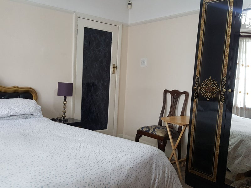 Double Room To Rent For Couples In South Woodford