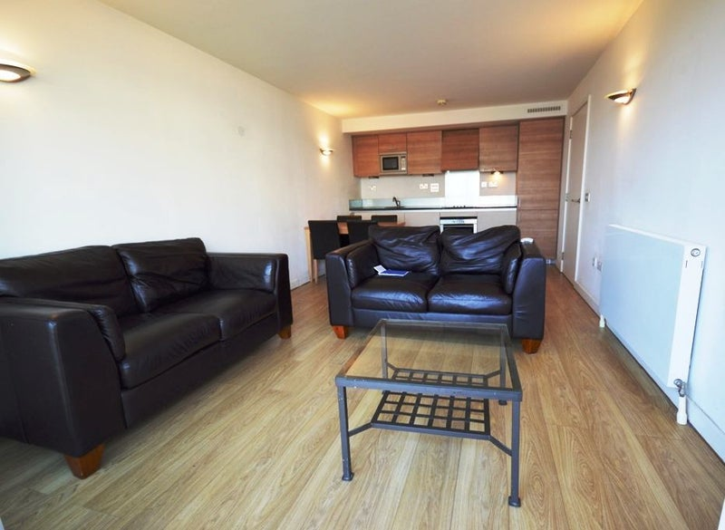 39 Available Now Two Bedroom Apartment In Se10 39 Room To Rent From Spareroom