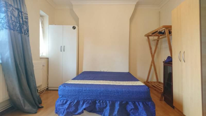 39 2 doublesd inc bills walk to bethnal green station 39 room for Furniture xpress bethnal green