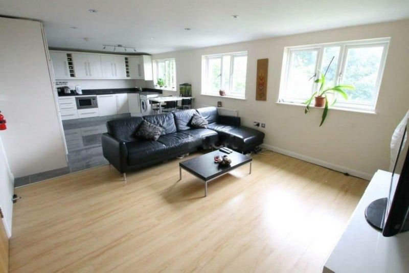Double Ensuite Room To Rent In Luton