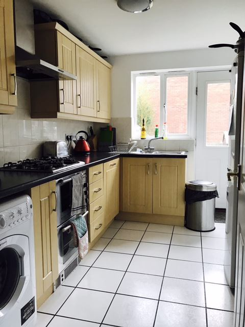 One Bed Flat Rent A Room Colchester