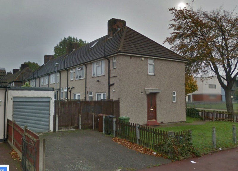 Super Findaflat Co Uk 2 Bedroom House In Dagenham Part Dss Accepted Home Interior And Landscaping Synyenasavecom