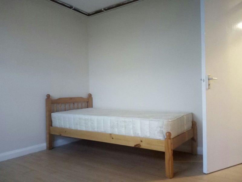 Findaflat Co Uk 2 Bedroom Flat Acton Dss Welcome