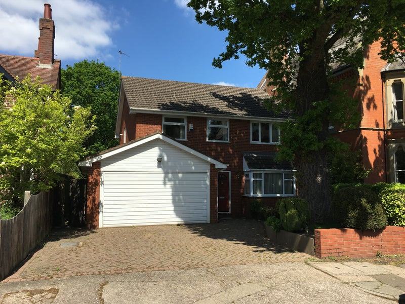 Luxury House Share - Selly Oak' Room to Rent from SpareRoom