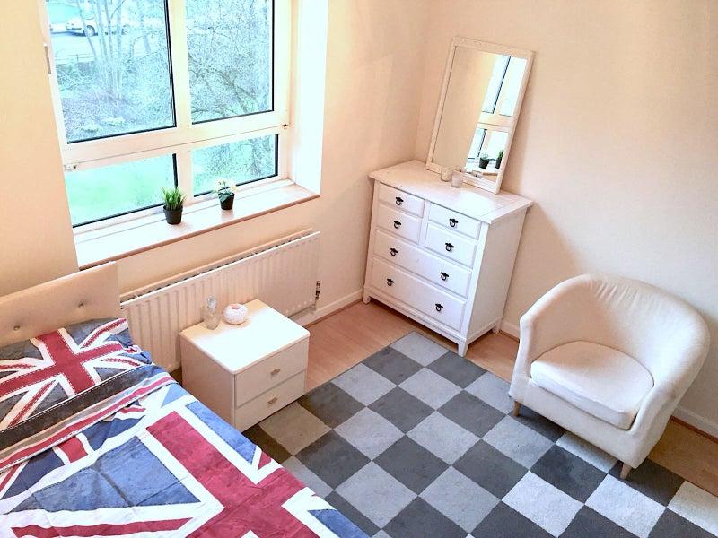 London Bridge Room To Rent