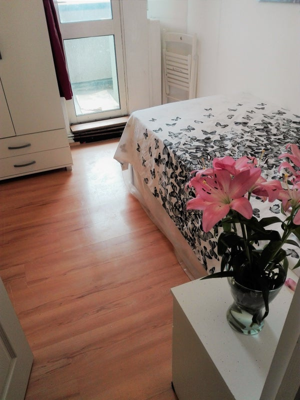 Live 10Min to Canary Wharf ! New Property\' Room to Rent from SpareRoom