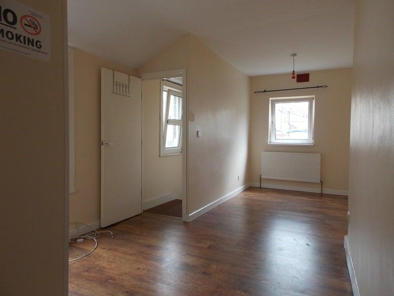 39 1 Bed Studio Flat In Plumstead 39 Room To Rent From Spareroom