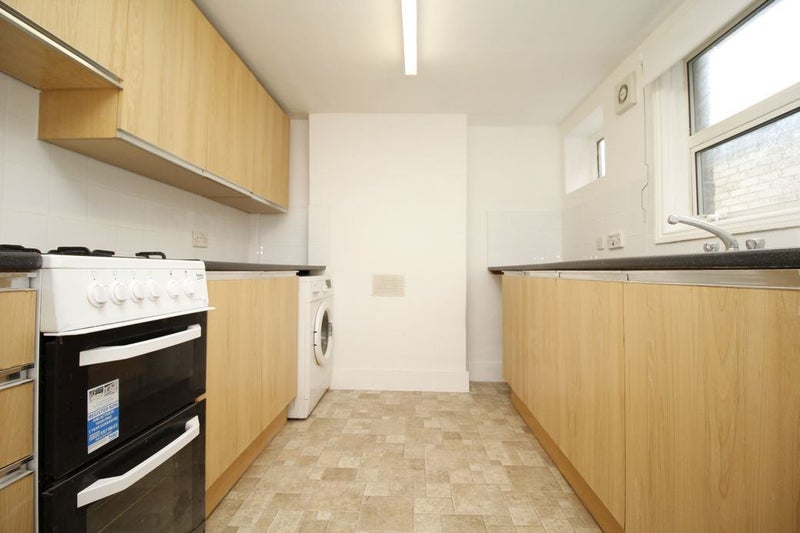 Incredible No Fees 20Mins To London 5 Mins To Station Room To Rent Download Free Architecture Designs Scobabritishbridgeorg