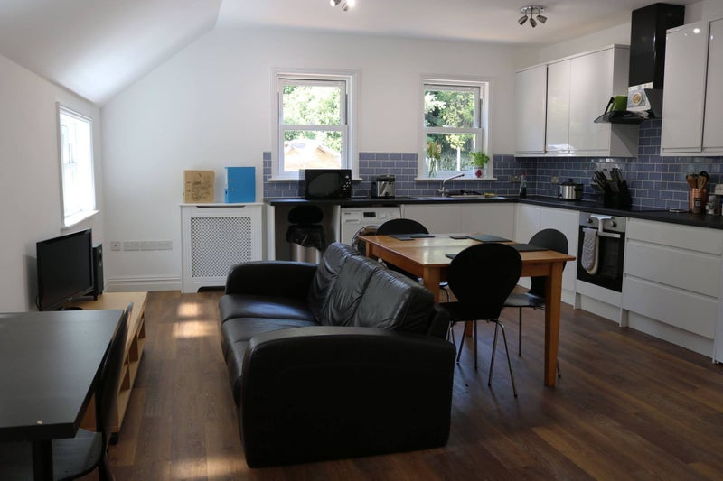 Double Room To Rent Kingston Available September