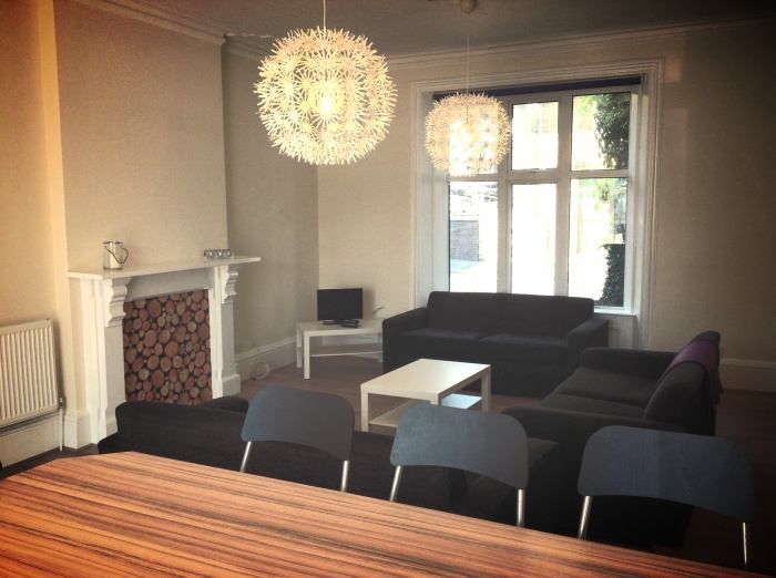 39 1 room available broomhill 87pw 39 room to rent from. Black Bedroom Furniture Sets. Home Design Ideas