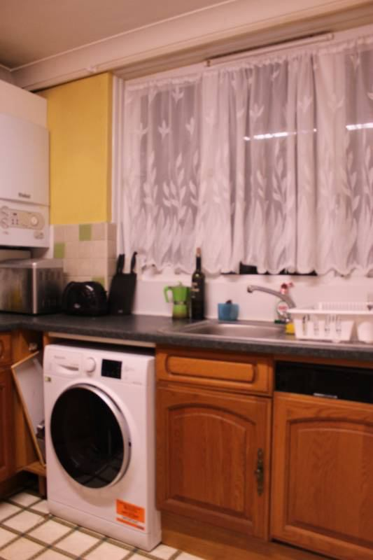 Cosy & friendly home looking for a new roomie :)\' Room to Rent from ...