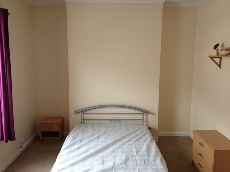 One Room To Rent In Swansea
