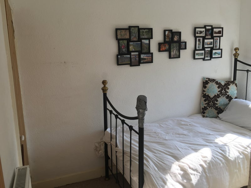 Single Room to let with links to A2, M2 & station' Room to
