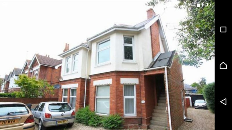 Large double to let in spacious 2 bed flat Main Photo