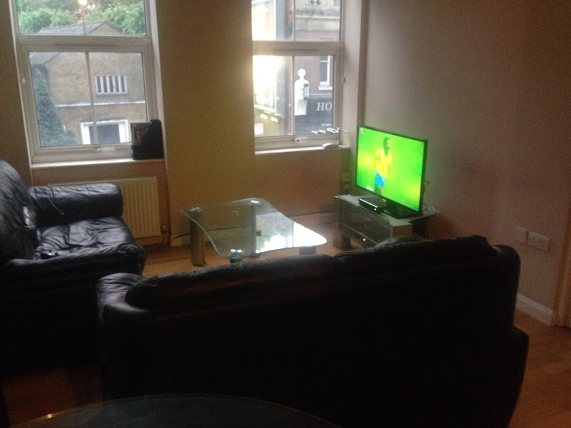 xbox one living room room on the richmond road room to rent 13085