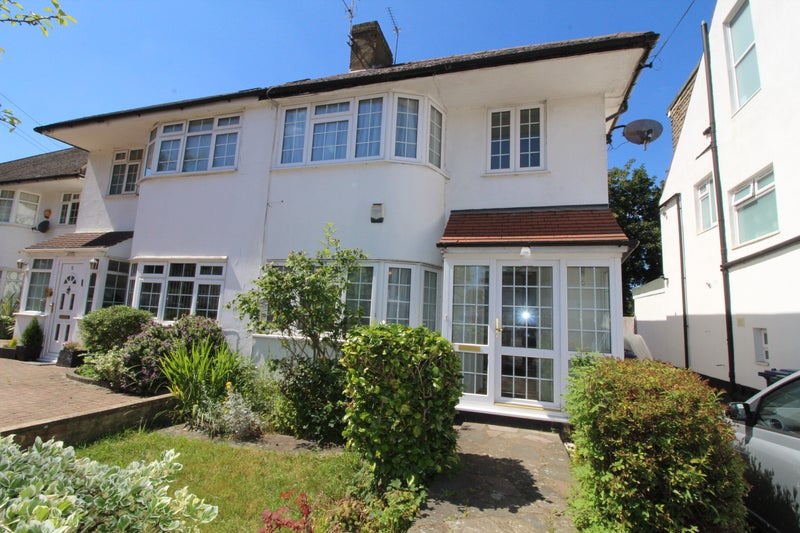 Awe Inspiring Stunning 3 4 Bedroom House To Rent In Edgware Room To Rent Complete Home Design Collection Epsylindsey Bellcom