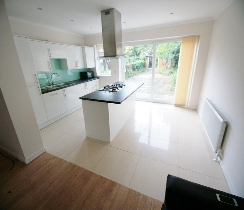 Rent Room In Willesden Green