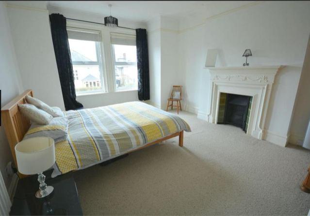 Click To Zoom Bedroom 1