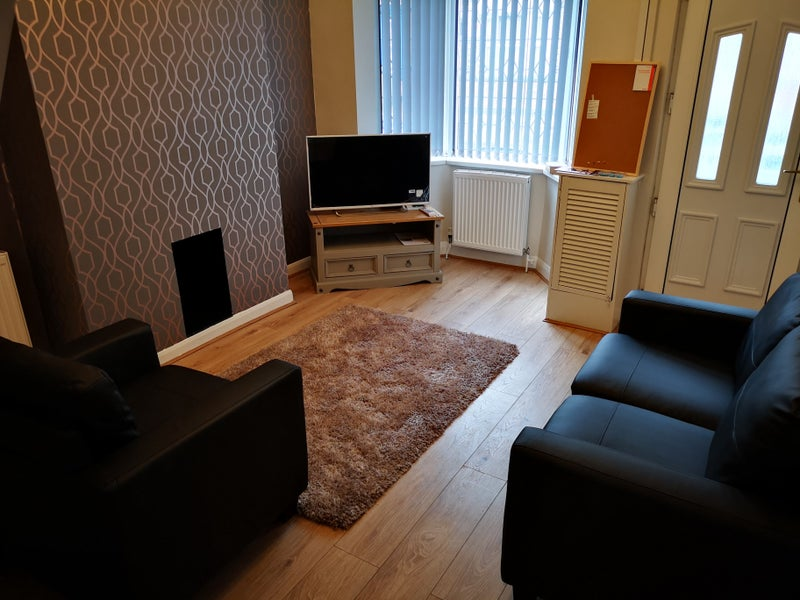 2 Bed House Share for Staffs Uni & BET 365' Room to Rent from SpareRoom