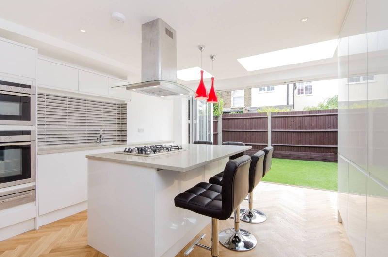 Derby Road Wimbledon Sw19 4 Double Bedroom House