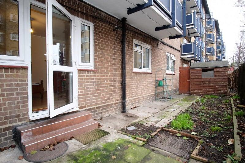 Huge Room With Garden Whitechapelbethnal Green Room To Rent From
