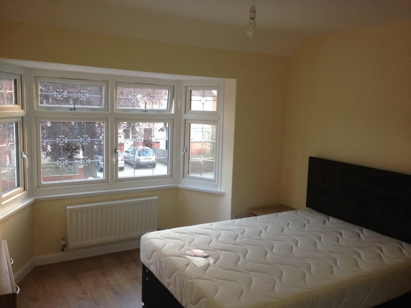 Brand New Spacious Double Room In Ealing