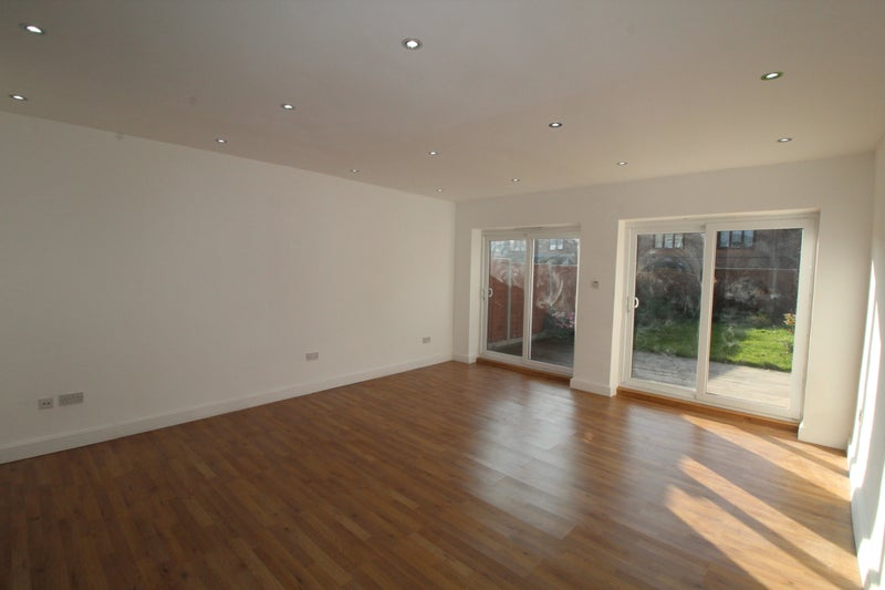 Prime Stunning 3 4 Bedroom House To Rent Room To Rent From Spareroom Complete Home Design Collection Epsylindsey Bellcom