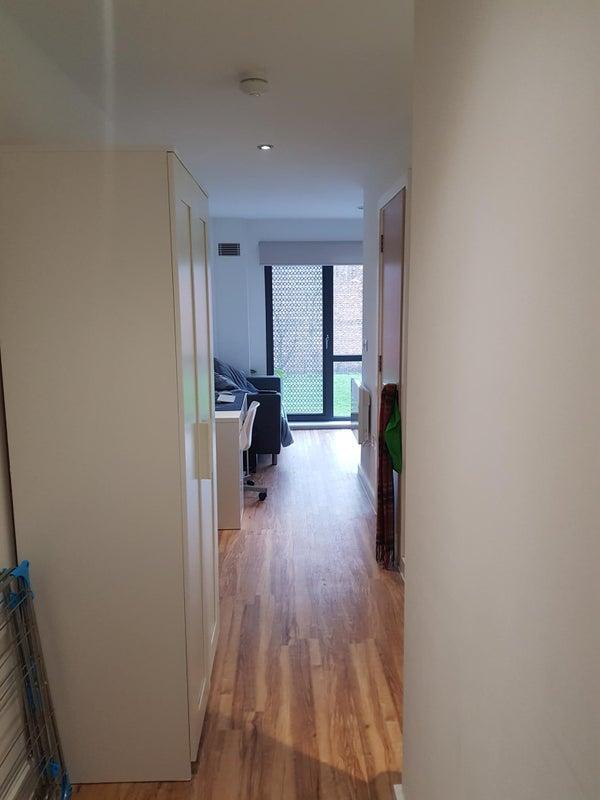 Contemporary Studio Apartment Design: 'Modern Studio Apartment, Salford ' Room To Rent From
