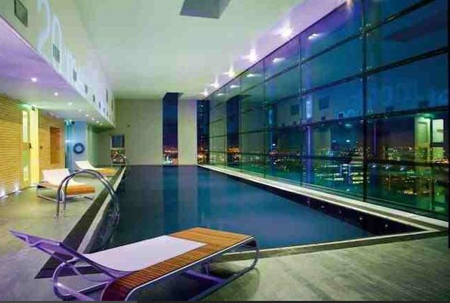 'Entire LuxuryFlat, Skyline Central manchester' Room to ...