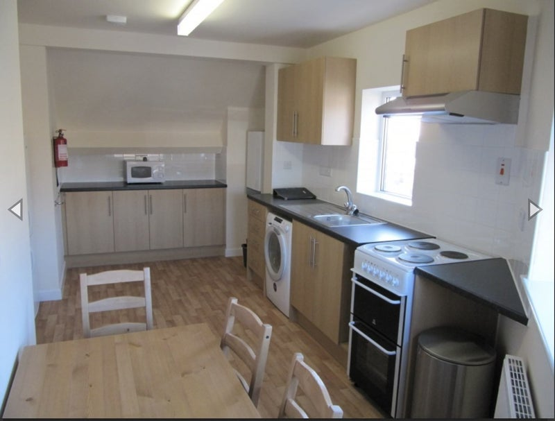 39 room available in crookes student wanted 39 room to rent. Black Bedroom Furniture Sets. Home Design Ideas