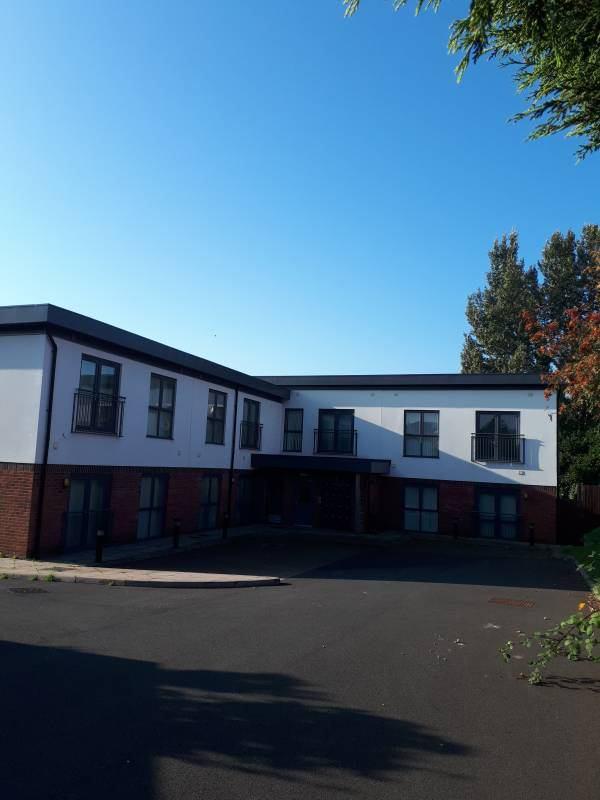 Studio Apartments Liverpool City Centre £400 pcm' Room to