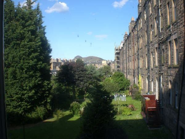 Double Room Available in Marchmont Flat Main Photo