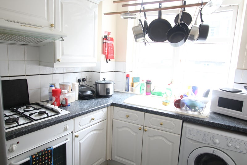 Double Room To Rent In Albany Court E1 Room To Rent From Spareroom