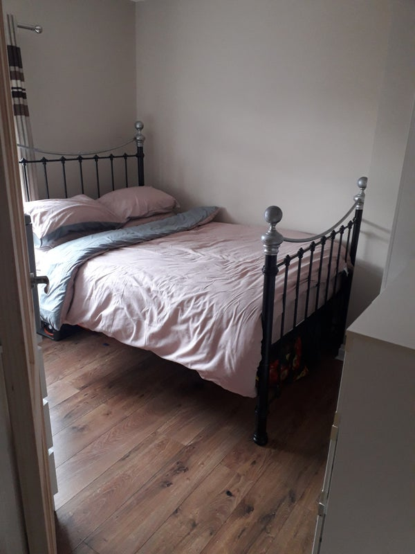 Double room to let non smoking clean tidy house  Main Photo