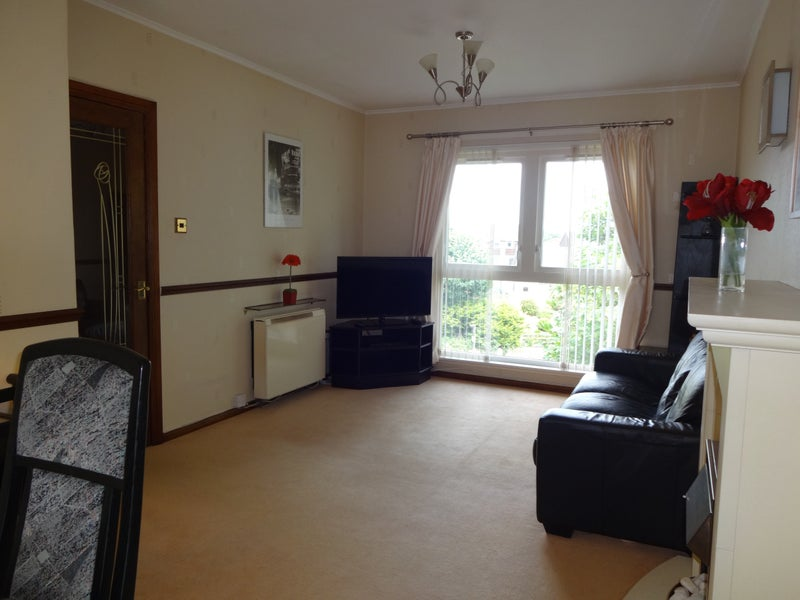 Rooms in Lovely Two Bedroom Flat - Polmont Main Photo