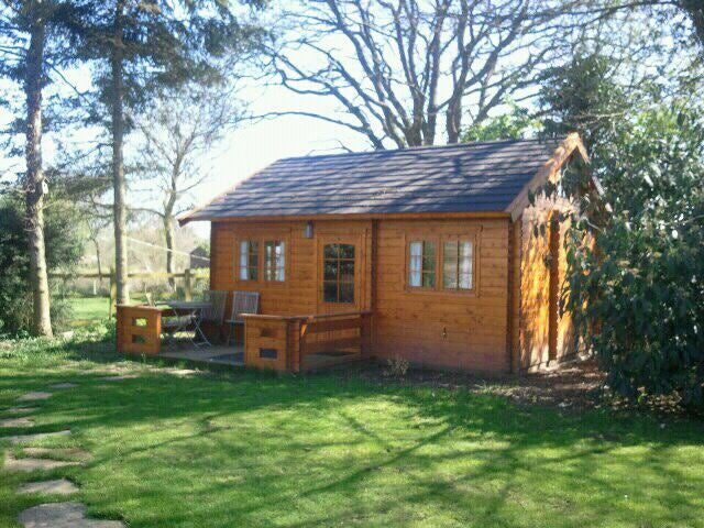 39 log cabin self contained annex for rent 39 room to rent