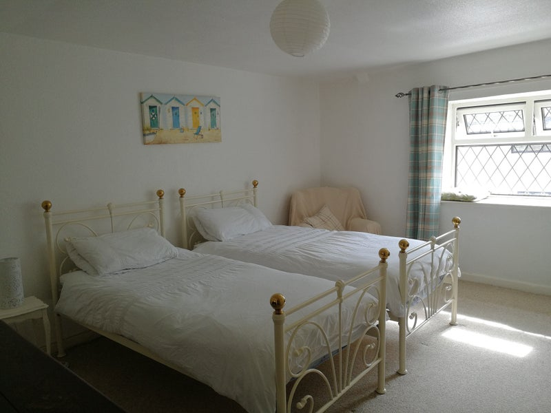 Spacious double room near Hinkley Point Main Photo