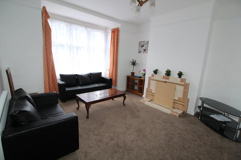 Remarkable 3 4 Bedroom Semi Detached House To Rent Room To Rent From Complete Home Design Collection Epsylindsey Bellcom