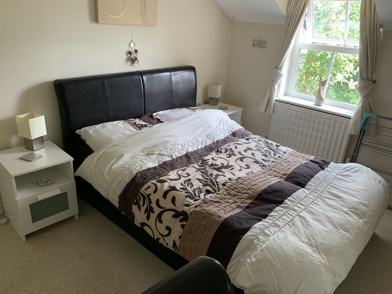 Spare 2 Bed Bedroom with En-Suite  Main Photo