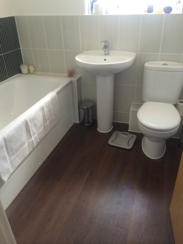 Double Bedroom In Brand New 3 Bed Home Room To Rent From