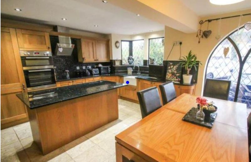 Elegant 4 bed detached offers EnSuite Double Rooms Main Photo