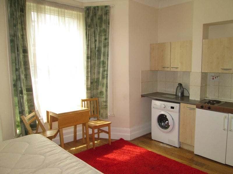 Findaflat Co Uk Cosy Studio On Sach Rd Hackney E5 Dss Welcome