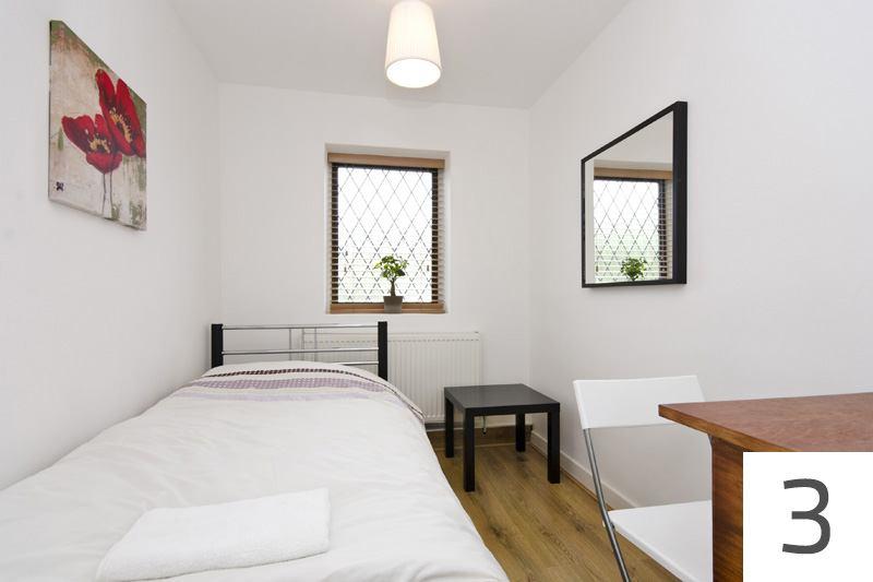 Beautiful Modern studio flat & Single Room ' Room to Rent from