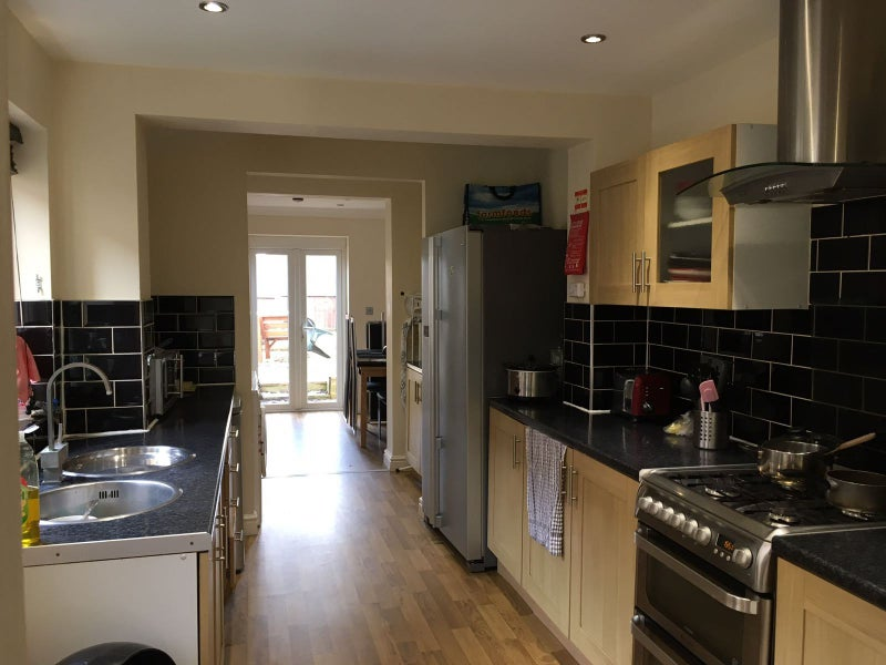 Two Rooms Dble Ensuite/Single Modern House in Town Main Photo