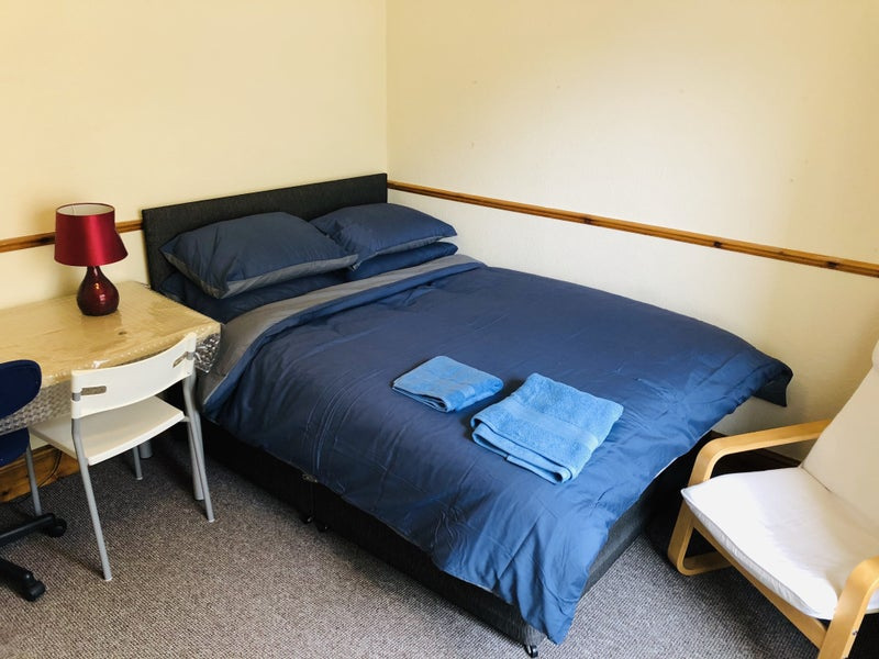 Furnished double rooms, bedding & bills included. Main Photo