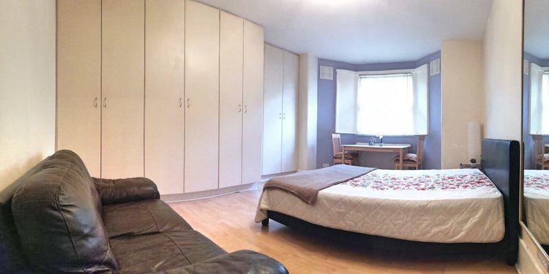 Spacious Double Bedroom Ear's Court Main Photo