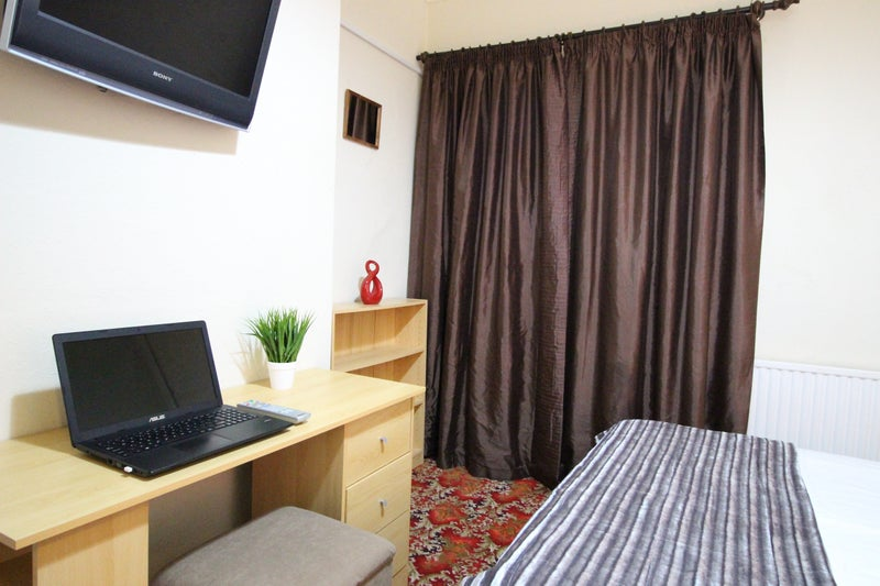 Contractor Double Rooms, TV, WiFi, Great Location  Main Photo