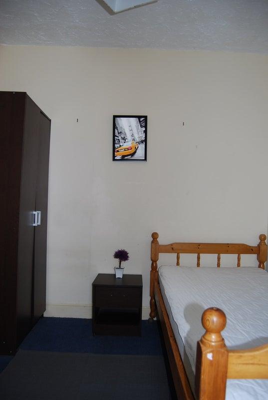 Rent A Room Bangor Gwynedd