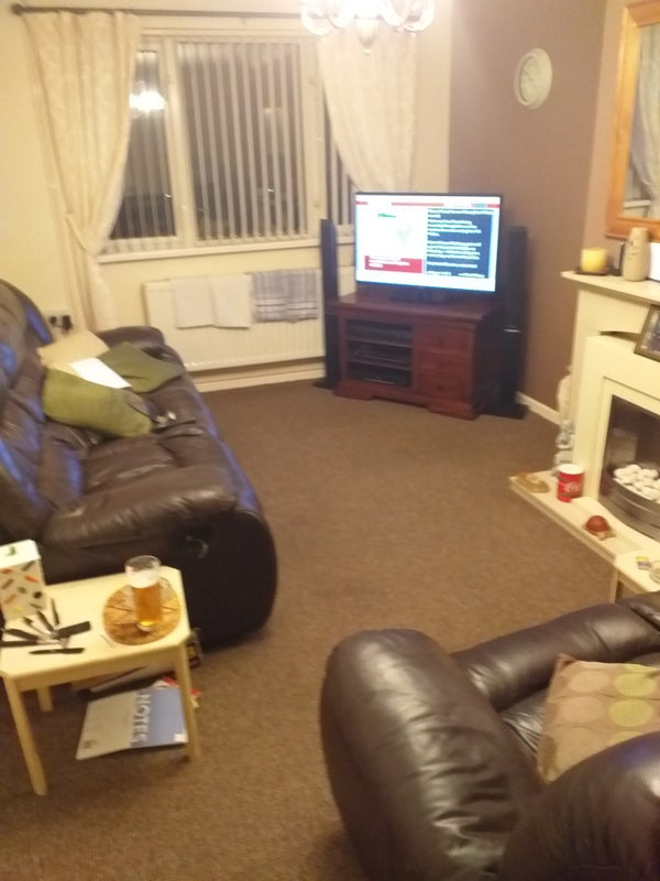 A mid sized room,  clean and tidy  Main Photo